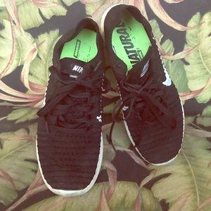 Nike Free RN Flyknit Shoes